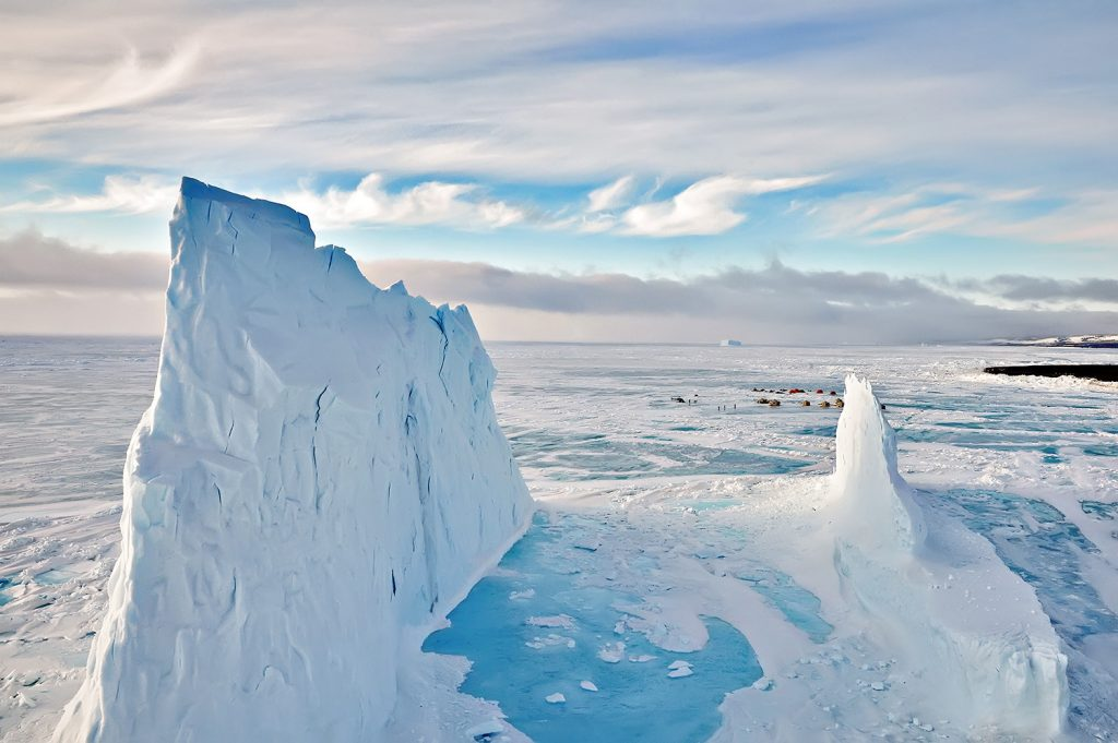 icebergs arctic kingdom